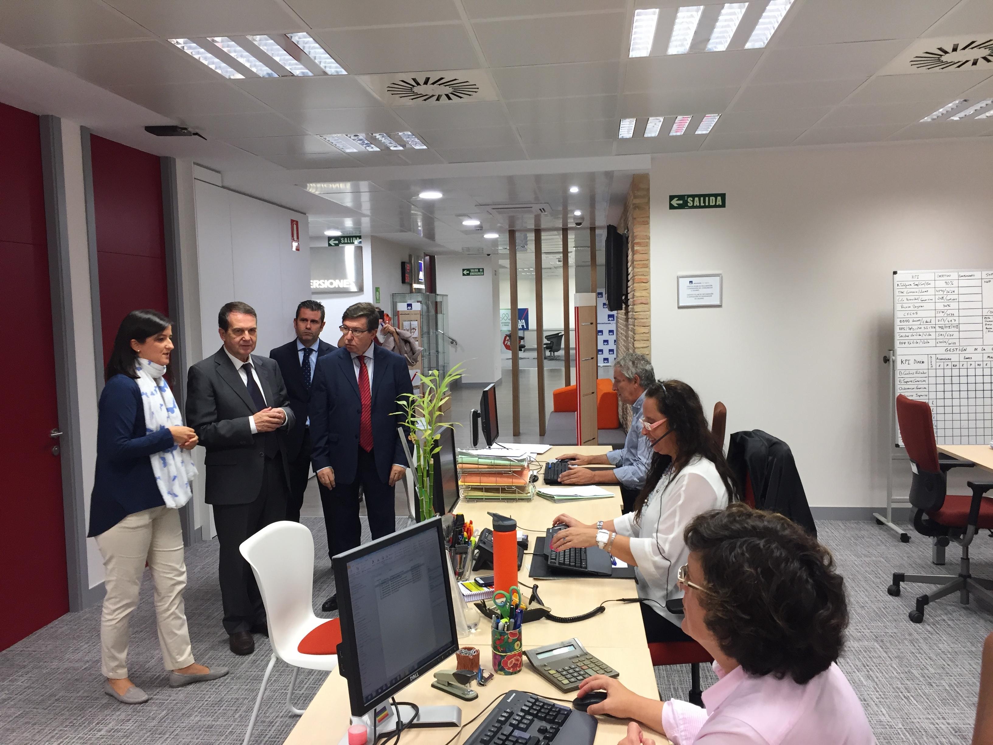 El alcalde de vigo visita la nueva sede de axa en la for Oficinas de axa