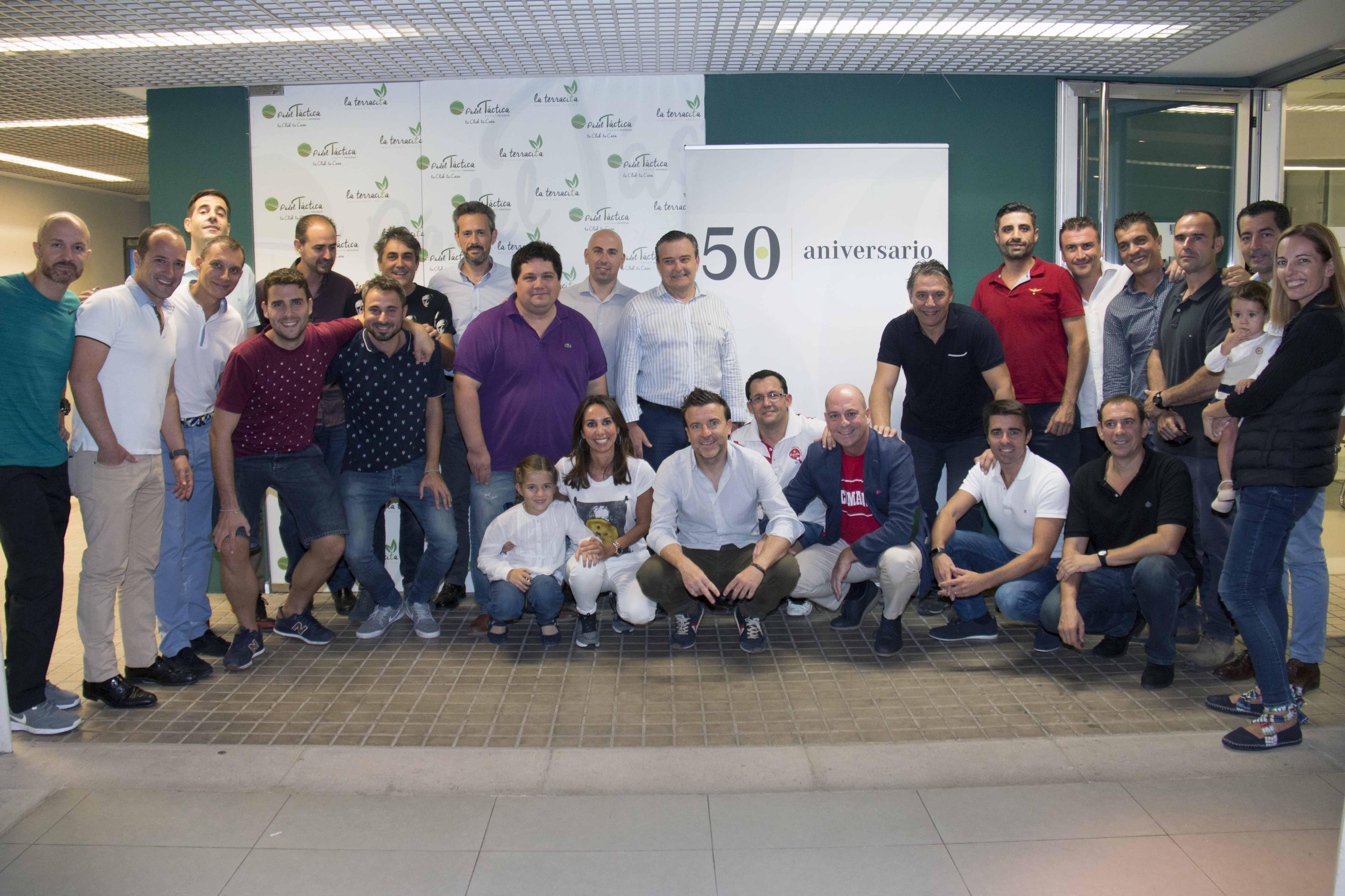 M s de 30 profesionales participan en el ii torneo de for Oficina sanitas valencia