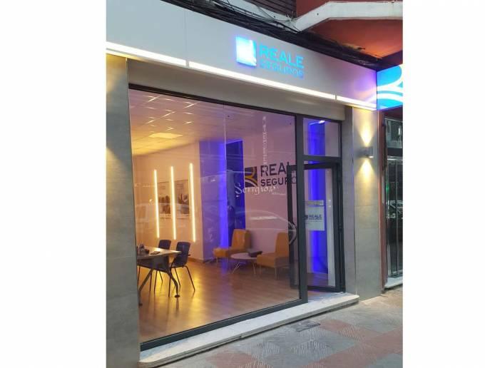 Reale abre una nueva agencia en le n grupo aseguranza for Reale seguros oficinas